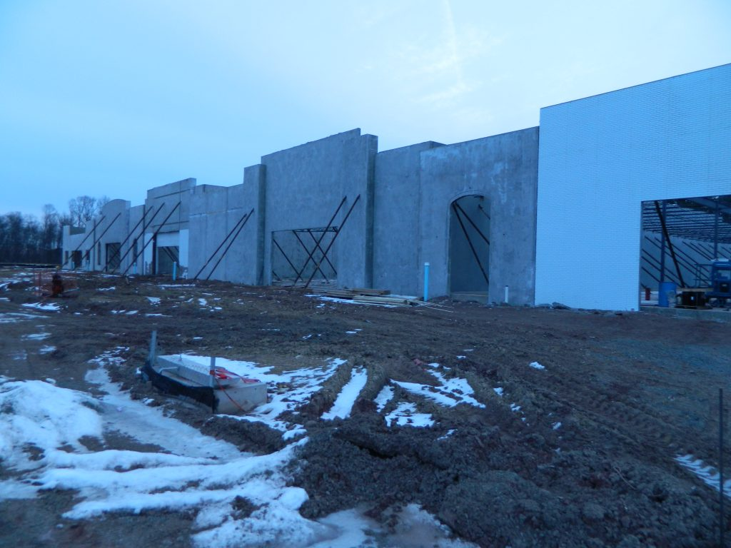 tilt up walls constructed by Eldridge Concrete for Dulles Landing in Fairfax Virginia