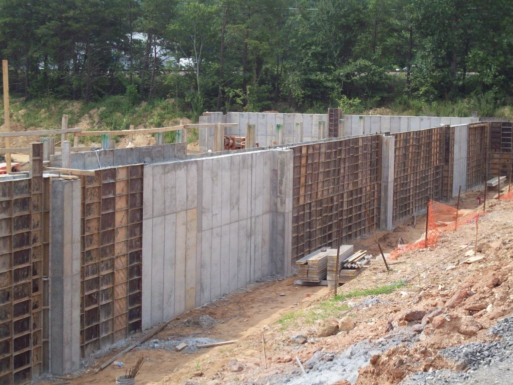 concrete walls being constructed for Ingles Distribution project