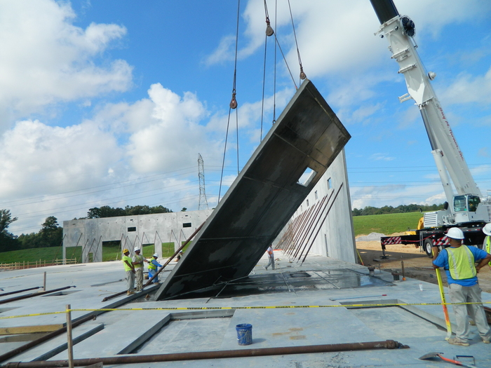Eldridge Concrete constructing concrete tilt up walls for Dixon Valve project