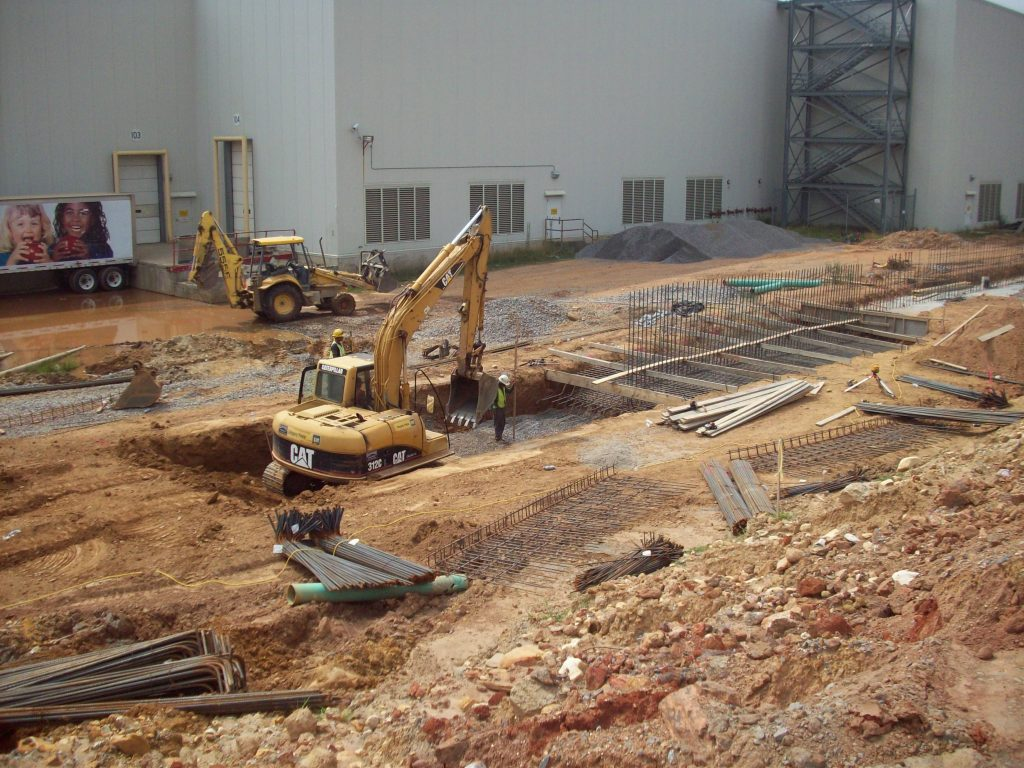 The beginning of the Ingles Distribution concrete project